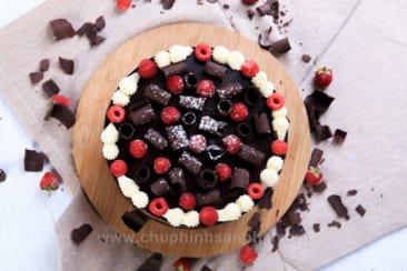 Chụp hình bánh Chocolate