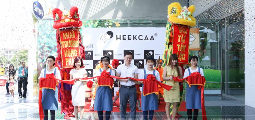 Chụp hình khai trương trà sữa Heekcaa Thảo Điền (Chi nhánh thứ 8)