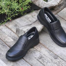 Thuê Studio để… chụp hình sản phẩm giày dép!