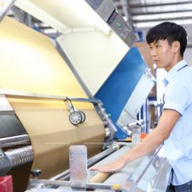 Chụp hình nhà máy kho xưởng, hoạt động công nhân.