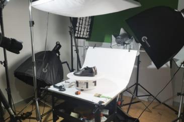 Chụp hình xoay sản phẩm giày dép
